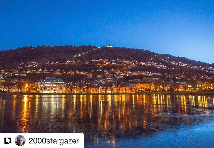 God morgen. #reisetips #reiseliv #reiseblogger #reiseråd  #Repost @2000stargazer with @repostapp  #goodmorning  #bergenby #bergensentrum #bergen #Norway #visitbergen #Smålungården #Fløyen  #sunrise  #heaven #city