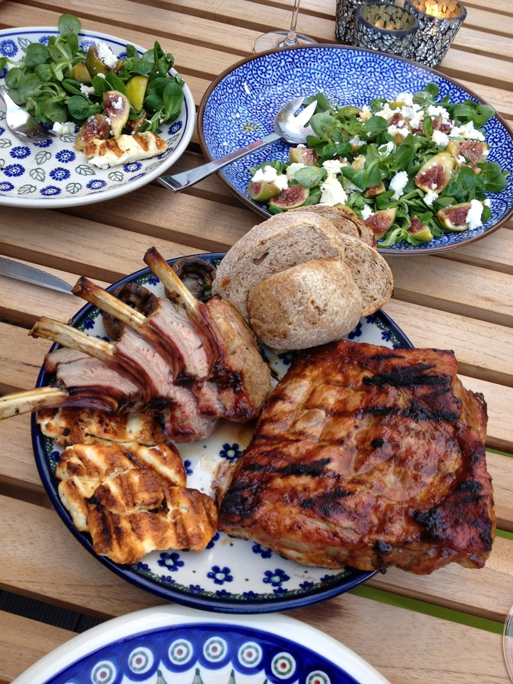 BBQ food is my favorite kind of food. Im a meat and potatoes kind of girl and im up for a good bbq meal anytime!!! mmm yummy<3