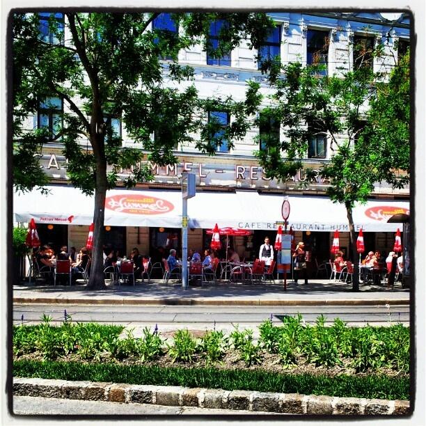 Cafe Hummel....Viena, next to Marmita´s home.