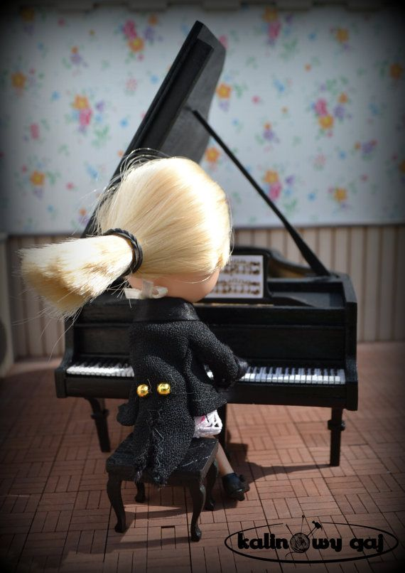 grad piano forte miniature 1:12 scale dollhouse by KalinowyGaj