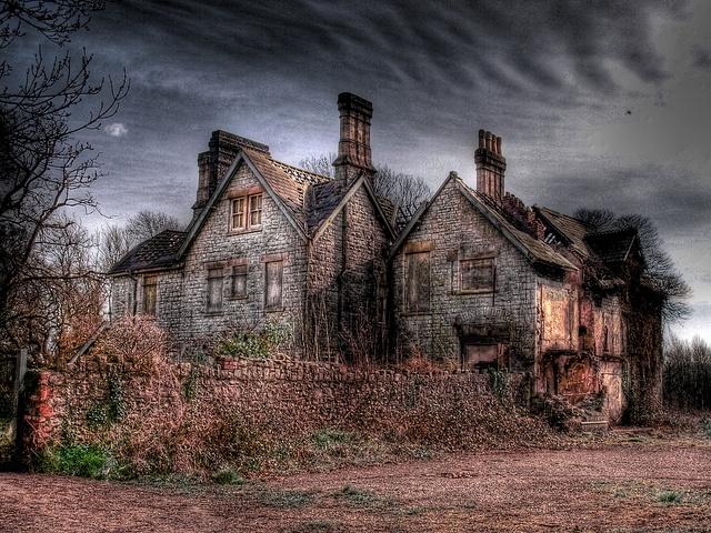 Les 25 meilleures id es de la cat gorie vieilles maisons for Aux maisons maison les chaources