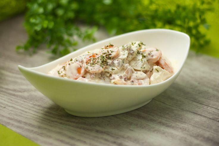Der Kohlrabi-Karotten-Salat mit Mayo-Joghurt-Soße ist eine alternative zum rheinischen Kartoffelsalat, er ist Low Carb und kalorienärmer.