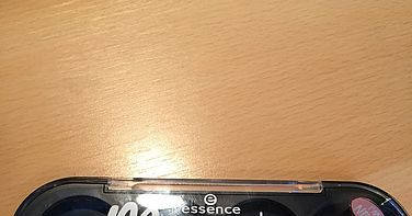 Review Essence my musthaves palette met 2x lip producten