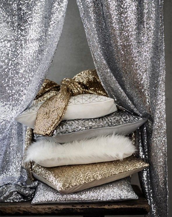 gold and glitter and silver... H&M holiday pillows