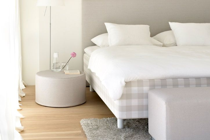 new Woodnotes & Hastens bed