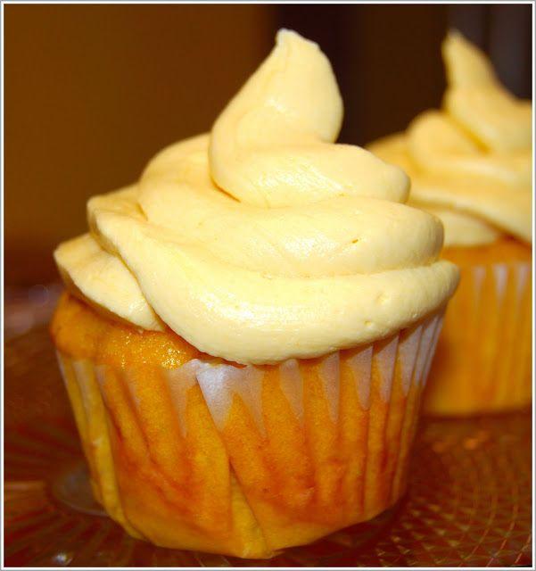 Mango cupcakes with mango buttercream frosting, vegan