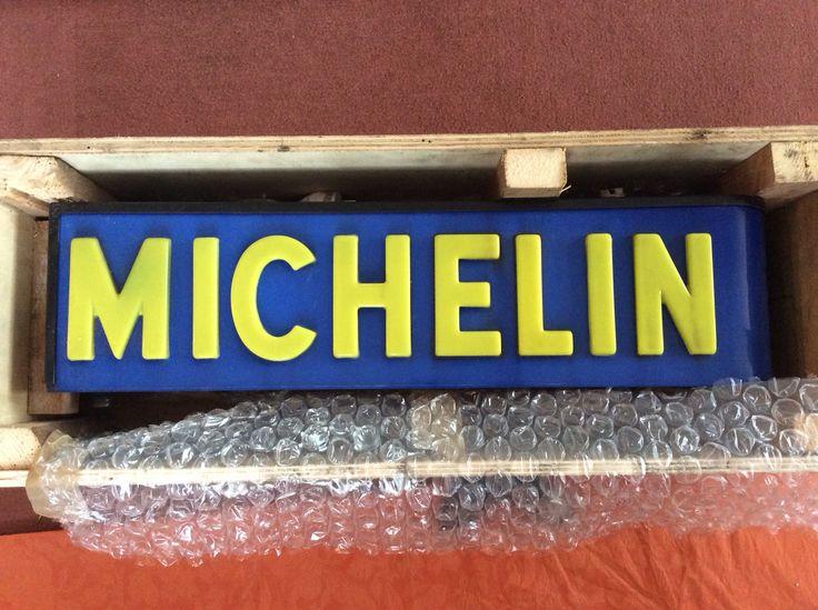 249 best images about michelin un pneu beaucoup passionn ment la folie - Enseigne lumineuse vintage ...