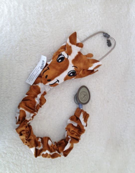 Improved Totally Unique  Giraffe Stethoscope Cover by myscap. If I end up as a Peds nurse, I'm totally getting this!