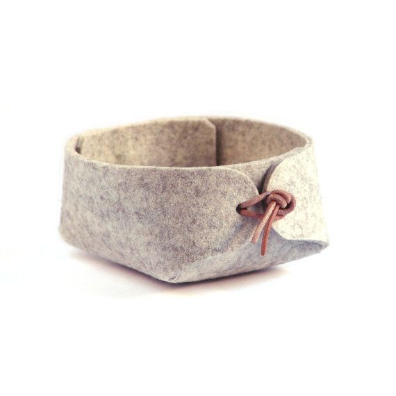 Jewelry organizer or Desk organizer in wool felt / Japanese inspired grey felt storage basket with leather strap closure, wholesale boutique