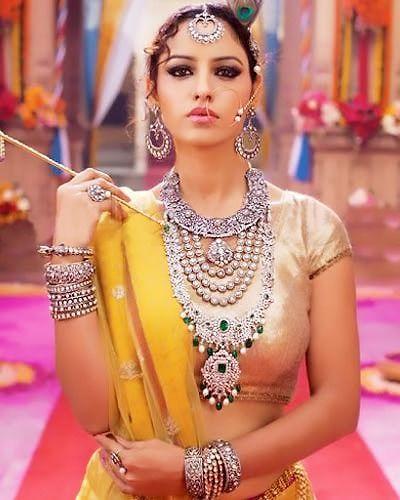 Classy white gold jewelry