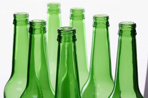 ¿Por qué debemos reciclar el vidrio?: http://reciclate.masverdedigital.com/?p=88