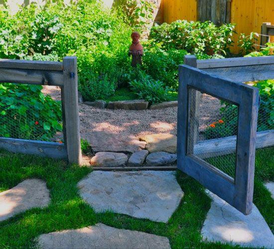 Chicken Wire and Reclaimed Wood Fence | DIY Backyard Ideas on a Budget | DIY Garden Fence Ideas