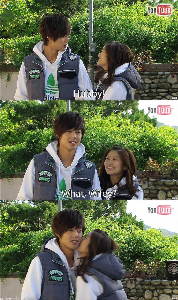 playful kiss! Loooooooove this show