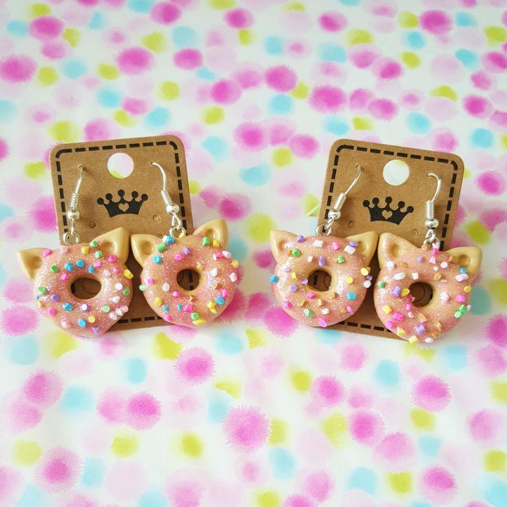 """Une paire de boucles d'oreilles en fimo """" Donuts chat """" : Boucles d'oreille par mysweetcandies"""