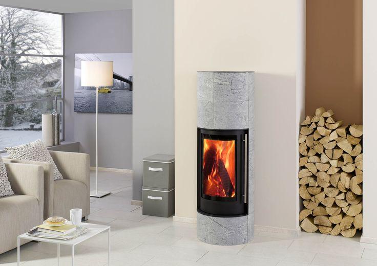 Le poêle à bois PILA en pierre ollaire, de la marque française Chazelles, vous séduira tant par son style scandinave que par ses performances et sa robustesse. Possibilité de rajouter un accumulateur de chaleur.