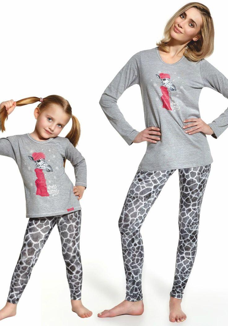 "Pijama fete 2-14 ani, colectia Mama si fiica - Giraffe  Pijama 100% bumbac, foarte confortabila si placuta la purtare. Pijamaua face parte din colectia ""Mama si fiica"". Alege brandul Cornette, cal..."