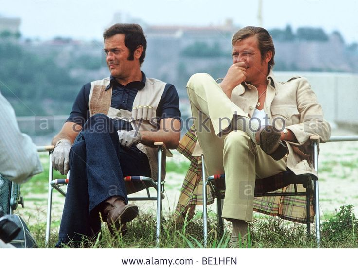 THE PERSUADERS  UK 1971 TV series with Tony Curtis at left and Roger Moore - BE1HFN from Alamy's library.