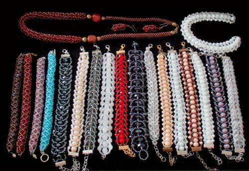 pulseiras de cristais.