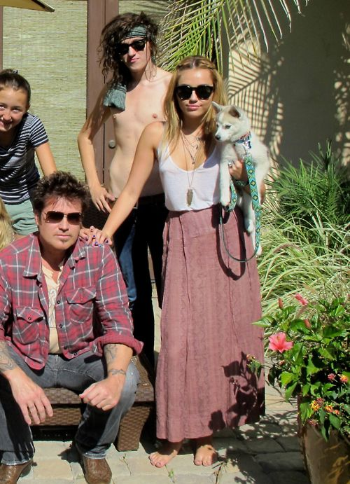 Boho look. Dangit Miley, why are you so stylish?!