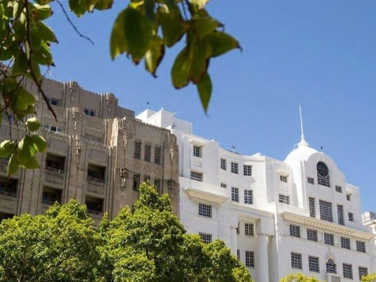 Central City Hideaway - Central City Hideaway is an art deco apartment in the centre of Cape Town's lively city.There is one bedroom and one bathroom. The unit has an open plan living area and fully equipped kitchen. Situated ... #weekendgetaways #capetown #southafrica
