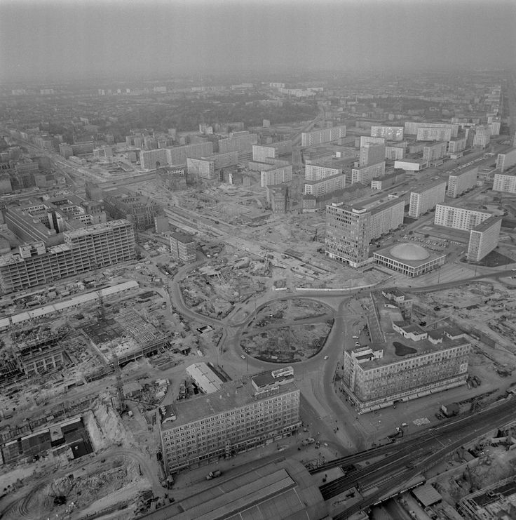 alexanderplatz in aanbouw 1967 sozialistischen umgestaltung des zentrums der haupstadt der. Black Bedroom Furniture Sets. Home Design Ideas