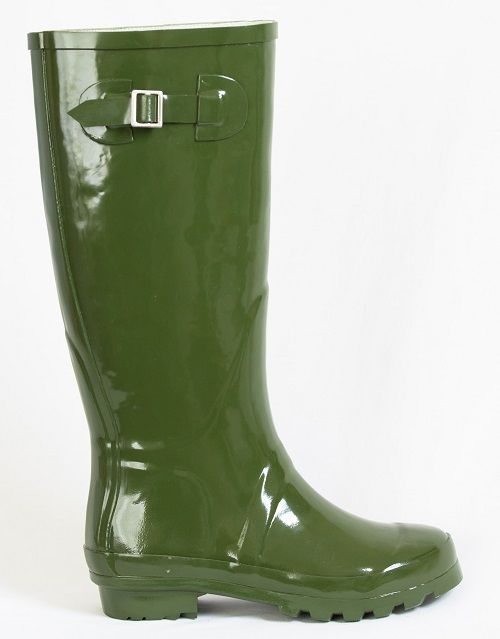 Whether you're channelling the English aristocracy or just disguising the grass stains, you can't go wrong with these Kea green gumboots from www.GumbootBoutique.com