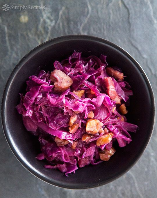What is a good recipe for Swedish red cabbage?