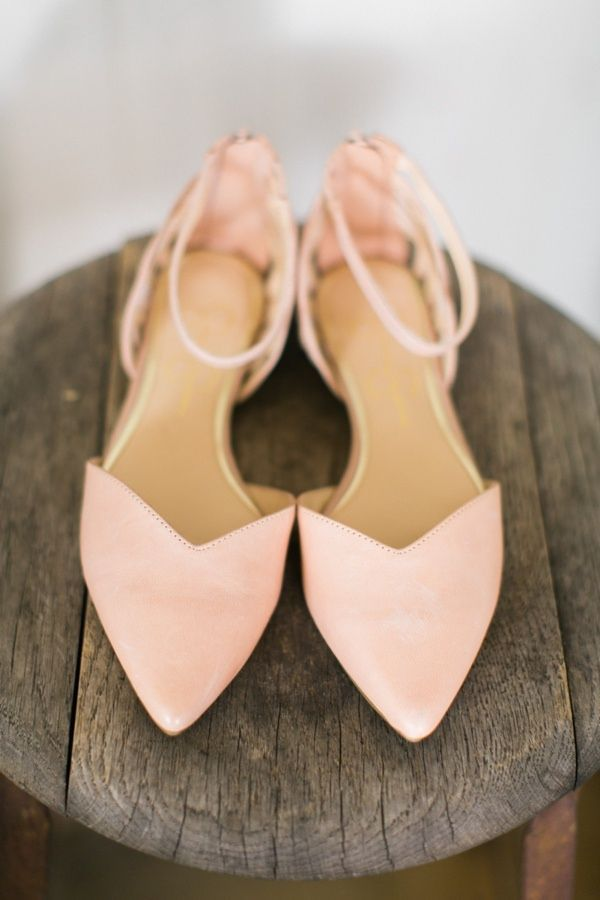 Simple elegant & comfortable pink pointed toe wedding shoes