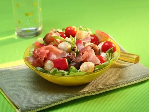 Recette de Salade de tomates, pommes et mozzarella