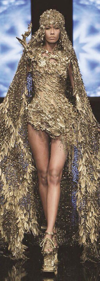 Tex Saverio - Extravagant and Gold, this collection represents well my inspiration.