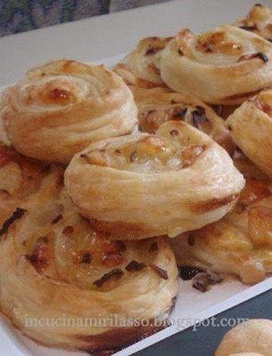 In cucina mi rilasso: Piccole sfoglie di cipolla caramellata