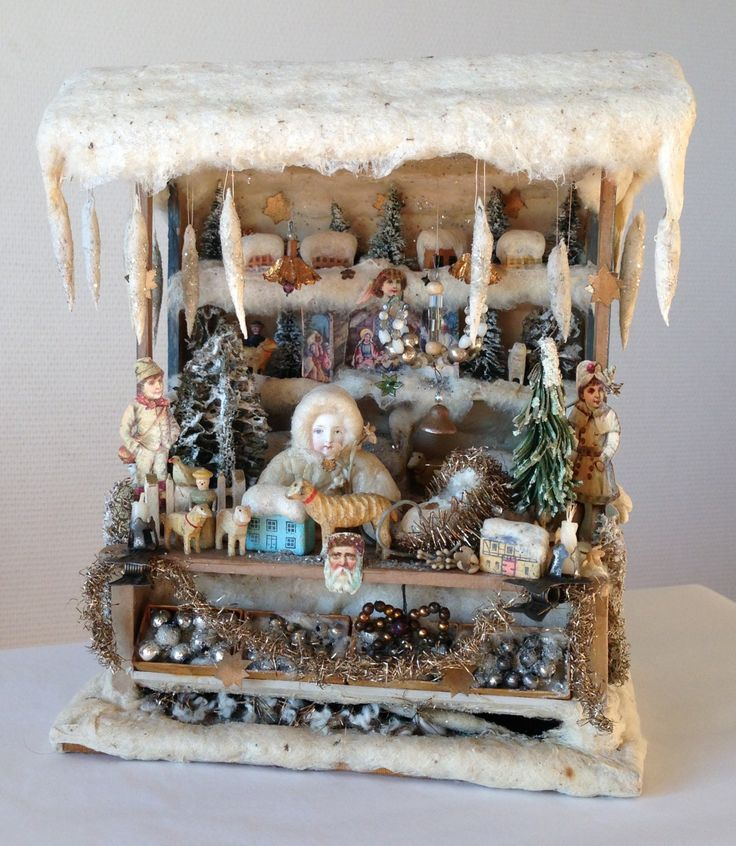 Wonderful old German Christmas doll's house stand from Erzgebirge! www.rarities4you.com