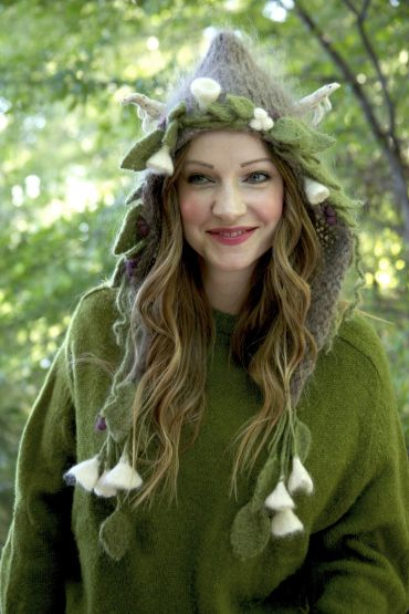 Tiny Owl Knits Midsummer Night's Dream hood. Definitely want something like this for the con next year!!!