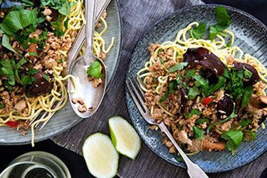 Chicken and mushroom larb on noodle