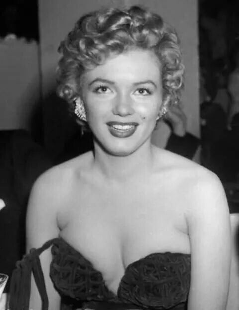 marilyn at the henrietta awards at the club del mar in santa monica california february 8th. Black Bedroom Furniture Sets. Home Design Ideas