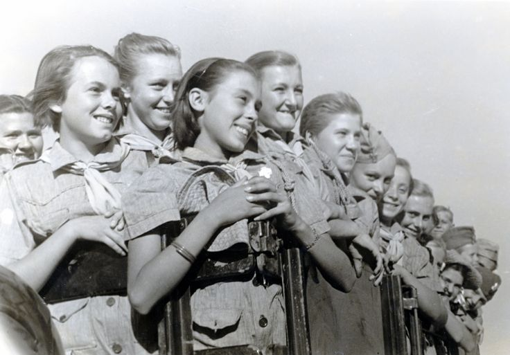 Smiling Polish girls in the back of a British army truck, Middle East. (Courtesy of The Polish Institute & Sikorski Museum - London)
