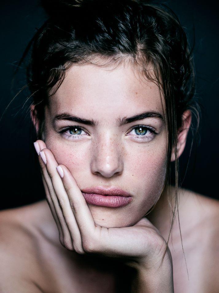 Joli maquillage nude ! #TheBeautyHours