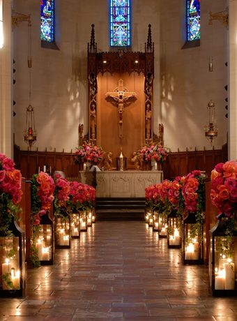 candles lighting the aisle. Beautiful! This is an awesome idea.