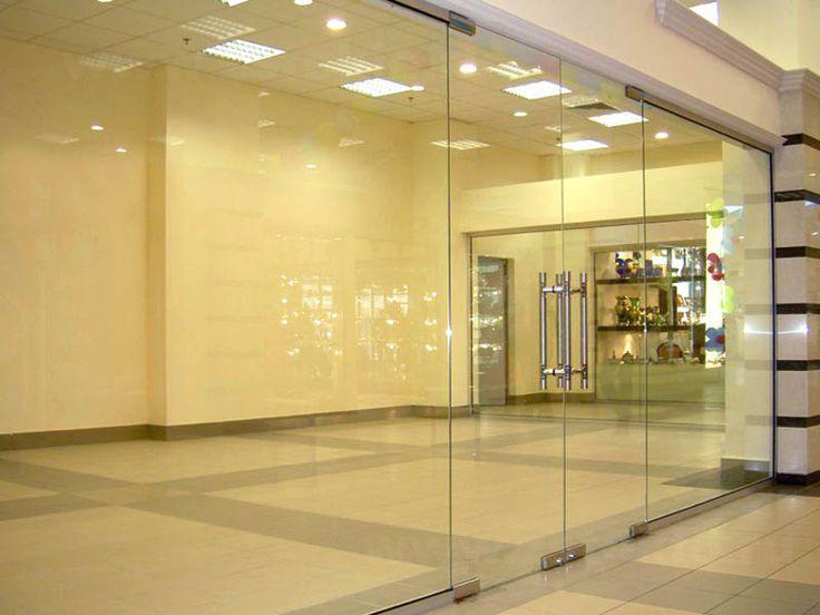"""Стеклянные офисные двери   """"Zстекло"""" - ведущая компания по производству стеклянных дверей, предлагает изделия из стекла как оптом, так и в розницу. торговых и бизнес-центров, офисов, выставочных комплексов, магазинов, бутиков и ресторанов.   Наиболее часто сегодня можно встретить стеклянные офисные двери. Прозрачное стекло дает эффект открытости, честности, радушия. В офисе, где есть стеклянные двери, клиент чувствует себя почетным гостем, для которого раскрыты все двери. Кроме того…"""