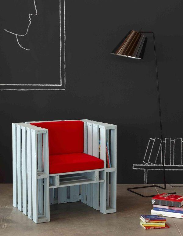 Fabulous Coole DIY Ideen f r M bel aus Europaletten m bel aus europaletten lesesessel mit roter polsterung