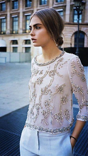 Allez, promis après on arrête de vous parler d'elle (ou pas ?). En matière de mode, Cara Delevingne est une icône (n'ayons pas peur...