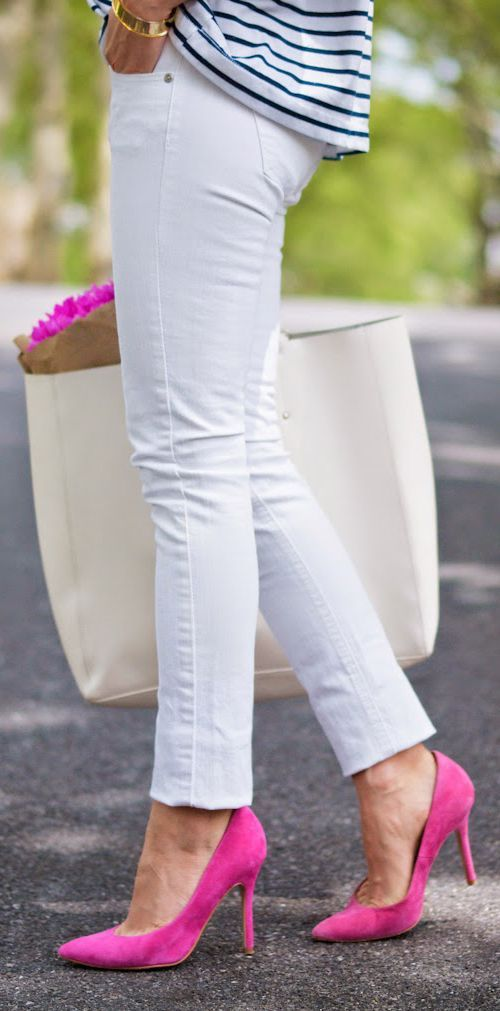 Women's fashion | White skinnies, oversize handbag, striped shirt and pink pumps