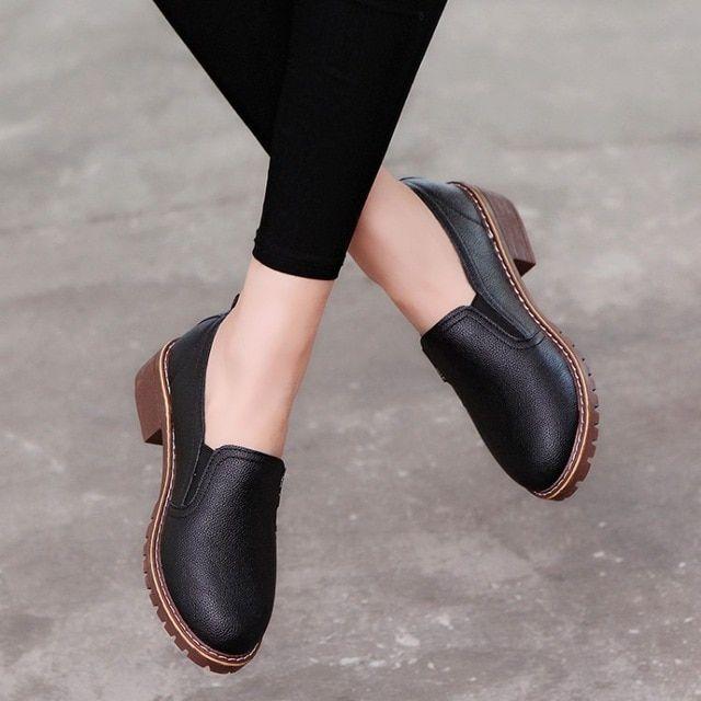 Women Flat Shoes Round Toe Laceup Oxford Shoes Woman Genuine Leather Brogue Women Shoes Tyu89 Color Bla In 2020 Women Oxford Shoes Flat Shoes Women Leather Shoes Woman