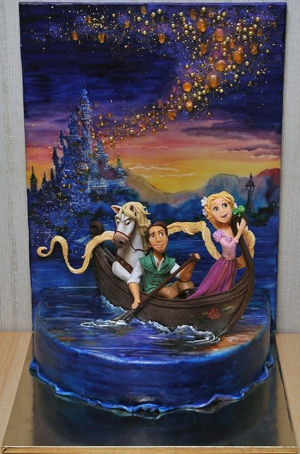 Tangled cake--interesting to look at but I don't think I'd want to eat it!
