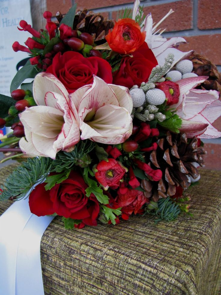 christmas+wedding+bouquets | Winter Wedding Flowers - Winter Flowers for Weddings