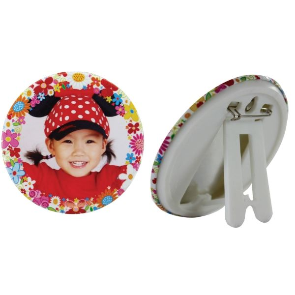 PHOTO STAND BUTTON BADGE 44MM WITH FULL COLOR Photo stand button badge 44mm with full color Product size: 44mm Branding: Digital print Material: Metal and Plastic