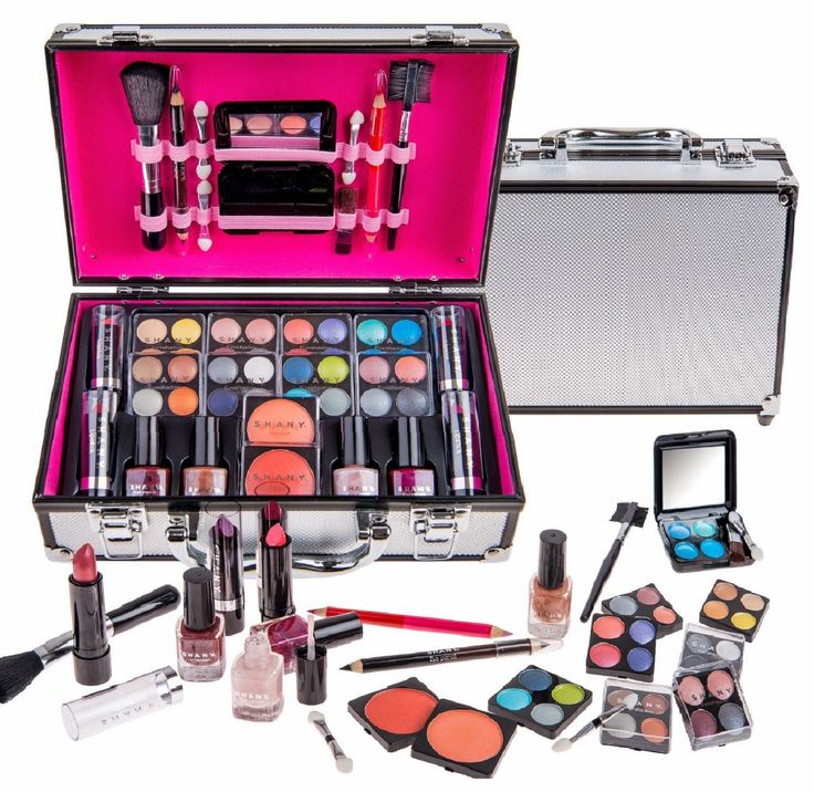 SHANY Carry All Trunk Train Case with Makeup and Reusable Black & White Aluminum Case Complete eye shadow make-up beauty case Small and convenient to carry on Applicators and mirror included Carry on aluminium case comes in silver colors Manufactured under Shany sub-brand Cameo http://secretwomaninme.blogspot.com/2014/10/the-art-of-looking-beautiful.html