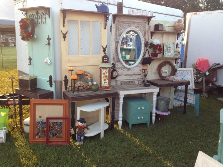 A display from Winnie Trade Days by Tamara's Touch and Restoration.  Awesome door ideas!