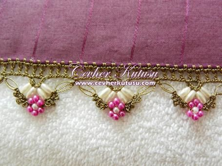 ** I Love this beaded border.. unfortunately the site is not in English & no photos to understand some kind of How-to in order to make it.. photo inspiration  ~ Ruth **         Oya örnekleri Oya örnekleri    Dantel       Oya örnekleri     Modelleri
