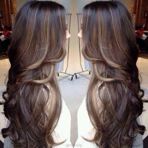 One of my brunette friends:: let me highlight your hair like this! So gorgeous!